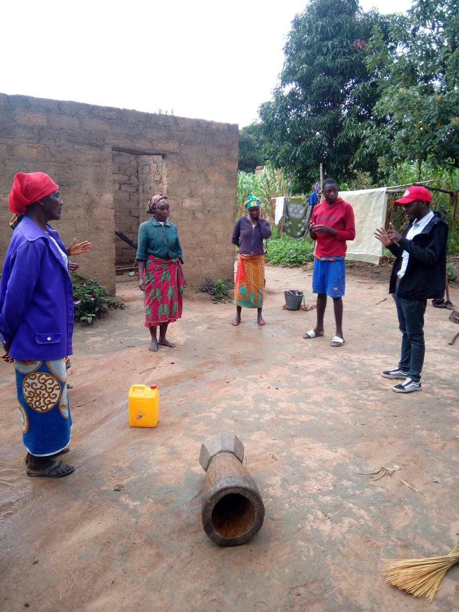 House To House Visits In Bumba Huambo To Explain About Covid19